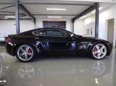 2006 Aston Martin V8 Vantage Coupe - Side