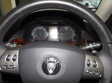 2007 Jaguar XKR Coupe (4.2 S/C) - Dashboard