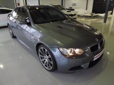 2010 BMW M3 Coupe M-DCT - Front 3/4