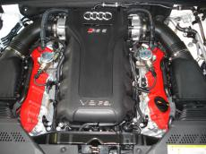 2011 Audi RS5 Coupe 4.2 FSI quattro S tronic - Engine