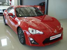 2013 Toyota 86 2.0 Std 6MT - Front 3/4