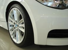 2010 BMW 135i Sport Coupe DCT - Detail