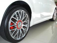 2013 Abarth 500 Convertible - Wheel