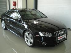 2008 Audi S5 4.2 V8 quattro Coupe (M/T) - Front 3/4