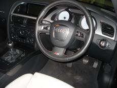 2008 Audi S5 4.2 V8 quattro Coupe (M/T) - Interior