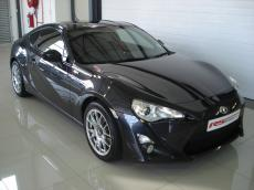 2012 Toyota 86 2.0 - Front 3/4