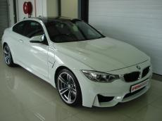 2014 BMW M4 Coupe M-DCT - Front 3/4