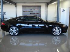 2010 Jaguar XKR 5.0 V8 S/C Coupe - Side