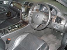 2010 Jaguar XKR 5.0 V8 S/C Coupe - Interior