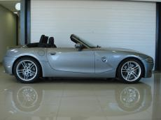2009 BMW Z4 M Roadster - Side