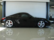 2006 Porsche Cayman S - Side