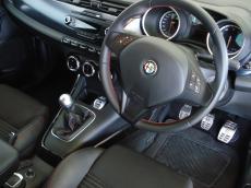 2012 Alfa Romeo Giulietta 1750 TBi QV - Interior