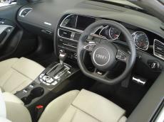 2013 Audi RS5 Cabriolet quattro S tronic - Interior