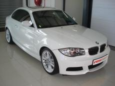 2010 BMW 135i Coupe DCT M-Sport - Front 3/4