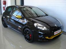2013 Renault Clio RS Red Bull Racing RB7 - Front 3/4