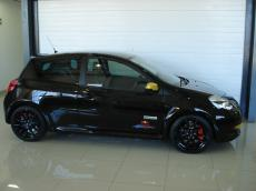 2013 Renault Clio RS Red Bull Racing RB7 - Side