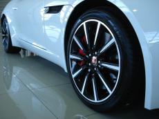 2014 Jaguar F-Type S Coupe - Detail