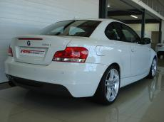 2013 BMW 135i Coupe M-Sport DCT - Rear 3/4
