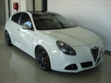 2011 Alfa Romeo Giulietta 1750 TBi QV - Front 3/4