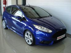 2015 Ford Fiesta ST 1.6 EcoBoost GDTi - Front 3/4