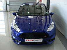 2015 Ford Fiesta ST 1.6 EcoBoost GDTi - Front