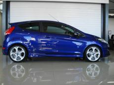 2015 Ford Fiesta ST 1.6 EcoBoost GDTi - Side