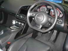 2011 Audi R8 5.2 V10 quattro M/T - Interior