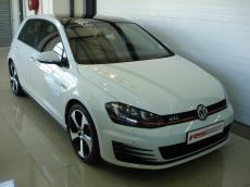 2013 VW Golf VII GTI 2.0 TSi DSG - Front 3/4