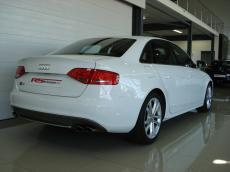 2011 Audi S4 3.0T FSi quattro - Rear 3/4