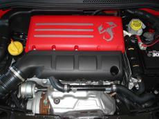 2012 Abarth 695 Tributo Ferrari - Engine