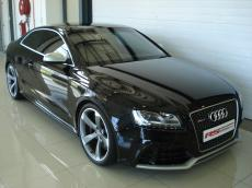 2011 Audi RS5 Coupe quattro S tronic - Front 3/4