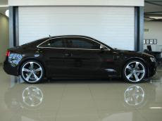 2011 Audi RS5 Coupe quattro S tronic - Side