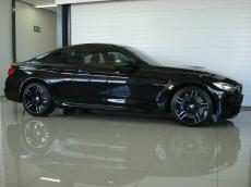 2015 BMW M4 Coupe M-DCT - Side