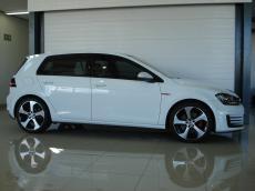 2015 VW Golf VII GTI 2.0 TSI DSG - Side