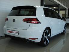 2015 VW Golf VII GTI 2.0 TSI DSG - Rear 3/4