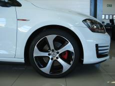 2015 VW Golf VII GTI 2.0 TSI DSG - Detail