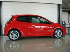 2010 Renault Clio RS 200 - Side