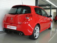 2010 Renault Clio RS 200 - Rear 3/4