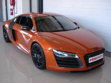 2013 Audi R8 V10 plus Coupe S Tronic - Front 3/4