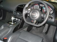 2013 Audi R8 V10 plus Coupe S Tronic - Interior