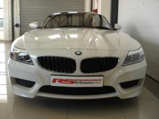 2016 BMW Z4 sDRIVE28i M-Sport A/T - Front
