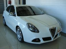 2012 Alfa Romeo Giulietta 1750 TBi QV - Front 3/4