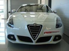 2012 Alfa Romeo Giulietta 1750 TBi QV - Front