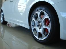 2012 Alfa Romeo Giulietta 1750 TBi QV - Detail