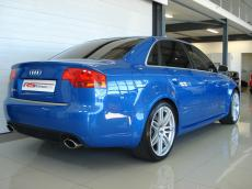 2006 Audi RS4 quattro Sedan - Rear 3/4