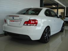 2010 BMW 135i Coupe M-Sport DCT - Rear 3/4