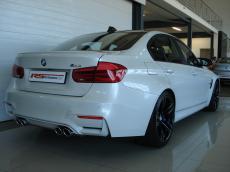 2015 BMW M3 Sedan M-DCT - Rear 3/4