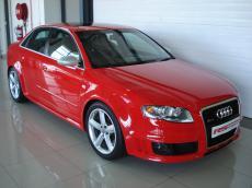 2006 Audi RS4 quattro Sedan - Front 3/4