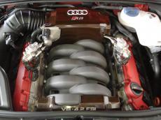 2006 Audi RS4 quattro Sedan - Engine