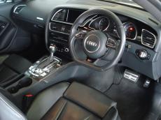 2013 Audi RS5 Coupe quattro S tronic - Interior